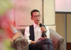 华玺集团总裁何力生发表题为《中国消费产品全球化背景下