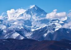 何力生:这个社会需要的打卡珠峰